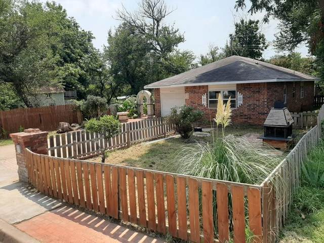 1003 E 9th Street, Shawnee, OK 74801 (MLS #926186) :: Homestead & Co