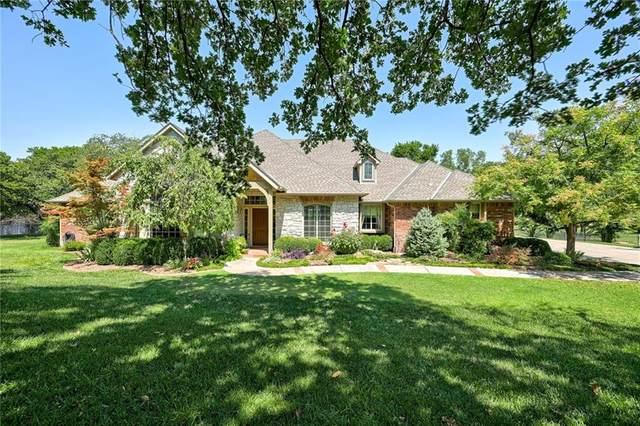 10009 Hidden Hollow Lane, Oklahoma City, OK 73151 (MLS #926288) :: Homestead & Co