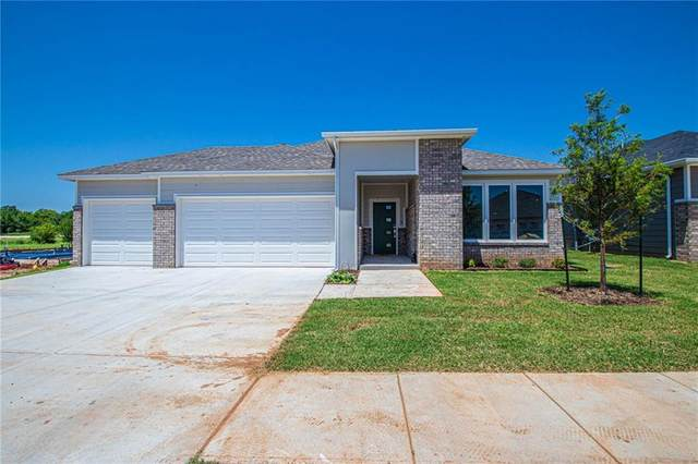 1813 Sara Vista Drive, Yukon, OK 73099 (MLS #926378) :: Homestead & Co