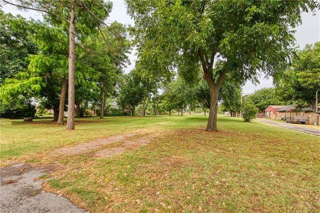 715 Bowman Avenue, Elk City, OK 73644 (MLS #926633) :: Homestead & Co