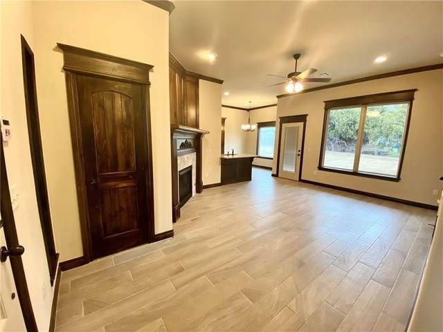 838 Twin Lakes Drive, Noble, OK 73068 (MLS #926773) :: Homestead & Co