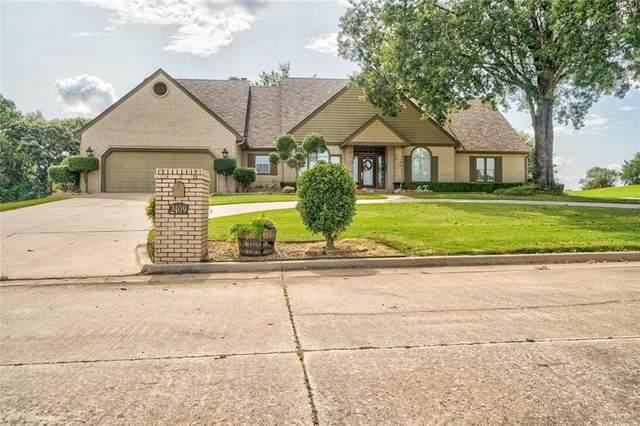 2409 Robinwood Place, Shawnee, OK 74801 (MLS #927388) :: Homestead & Co