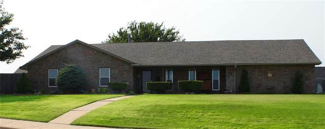 113 Clubhouse Drive, Elk City, OK 73644 (MLS #927465) :: Homestead & Co
