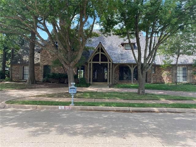 1902 Pin Oak Circle, Norman, OK 73072 (MLS #927727) :: Keri Gray Homes