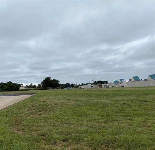 710 N Country Club Street, Ada, OK 74820 (MLS #927977) :: Homestead & Co
