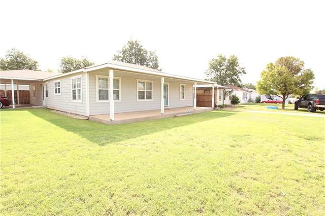 1410 N 5th Street, Sayre, OK 73662 (MLS #928194) :: The UB Home Team at Whittington Realty