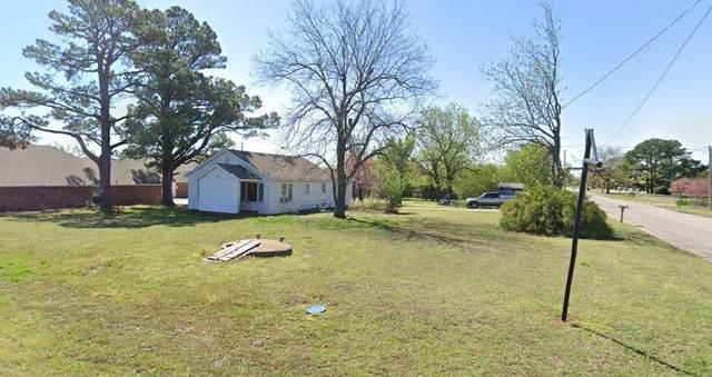 1715 W Macarthur Street, Shawnee, OK 74804 (MLS #928292) :: Keri Gray Homes