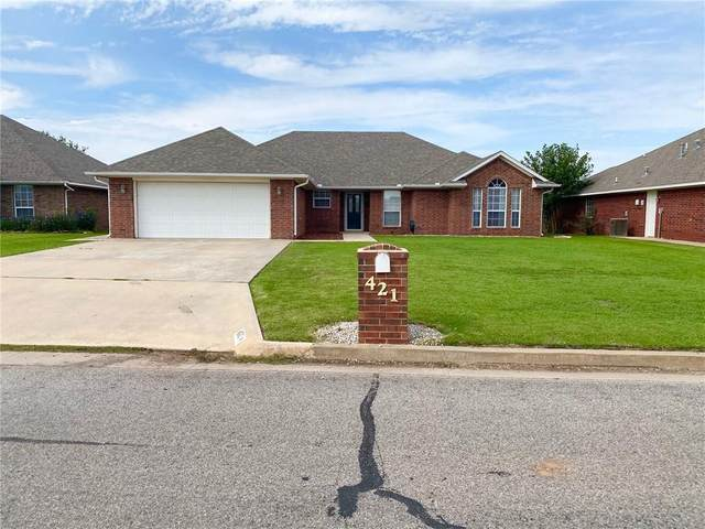421 Quail Run North, Altus, OK 73521 (MLS #928417) :: Homestead & Co