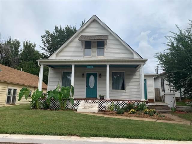 420 N 1st Street, Guthrie, OK 73044 (MLS #928418) :: Homestead & Co