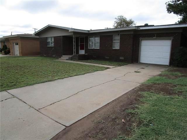 620 Martha Street, Altus, OK 73521 (MLS #928419) :: Homestead & Co