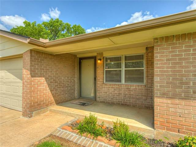 2116 Kings Road, Moore, OK 73160 (MLS #928744) :: Homestead & Co