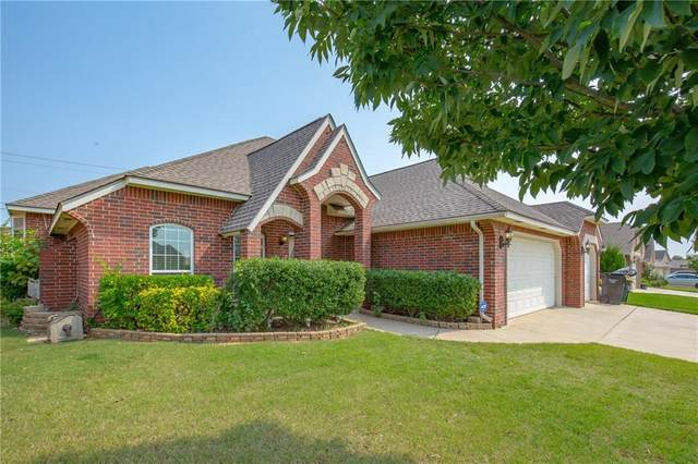 1612 Dorothy Drive, Moore, OK 73170 (MLS #928906) :: Homestead & Co