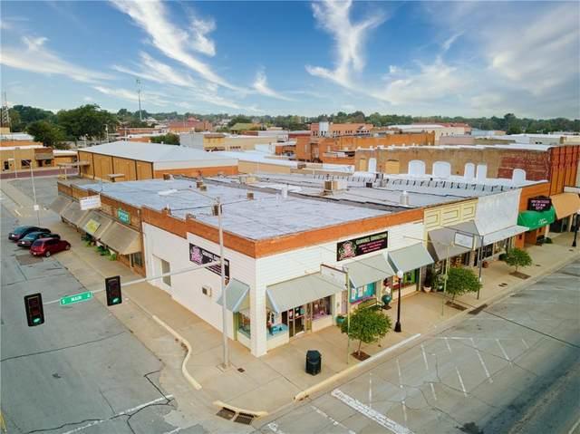 123 S Main, Elk City, OK 73644 (MLS #928980) :: Homestead & Co