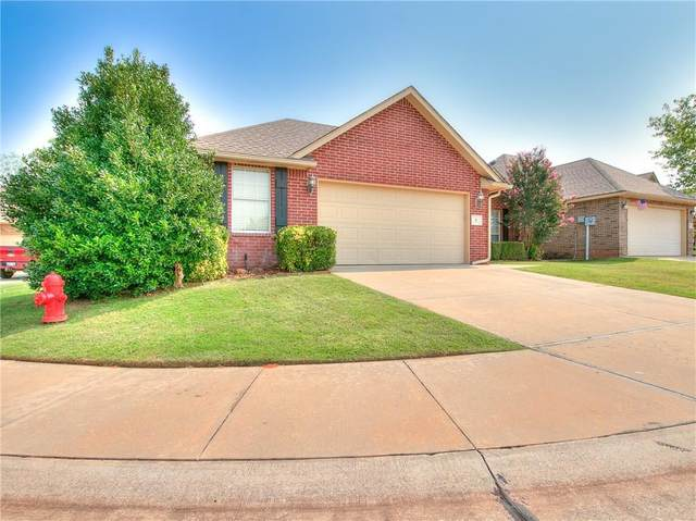 8 S Ridge Pointe Drive, Edmond, OK 73034 (MLS #929191) :: Homestead & Co