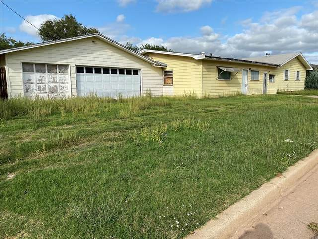 801 N Forrest Street, Altus, OK 73521 (MLS #929194) :: Homestead & Co