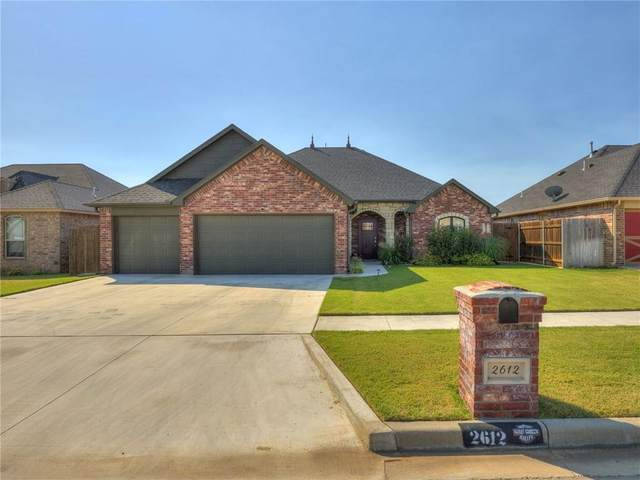 2612 Harvest Drive, Weatherford, OK 73096 (MLS #929484) :: Homestead & Co