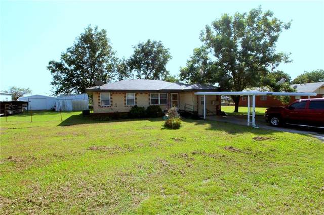 102 E Meek Street, Wayne, OK 73095 (MLS #929527) :: Homestead & Co