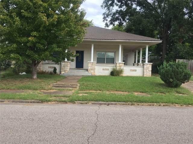 1707 N Beard Avenue, Shawnee, OK 74804 (MLS #929689) :: Homestead & Co