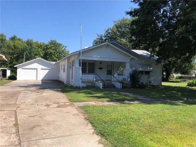 312 S 8th Street, Okemah, OK 74859 (MLS #929692) :: Homestead & Co