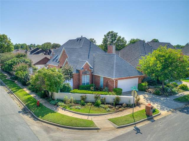 3800 Tudor Circle, Norman, OK 73072 (MLS #929863) :: Homestead & Co
