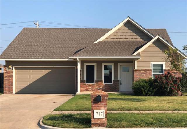 717 SW 11th Street, Moore, OK 73160 (MLS #929897) :: ClearPoint Realty
