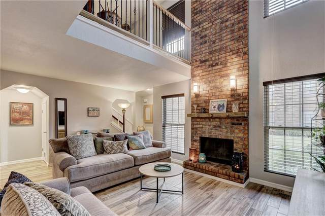 847 Two Forty Place, Oklahoma City, OK 73139 (MLS #930000) :: Erhardt Group at Keller Williams Mulinix OKC