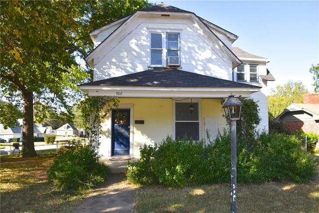 702 E Mansur Avenue, Guthrie, OK 73044 (MLS #932071) :: Homestead & Co