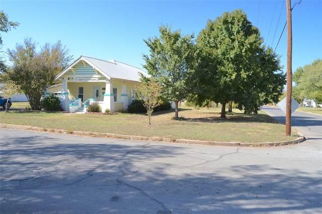 420 N Temple Street, Cordell, OK 73632 (MLS #932250) :: ClearPoint Realty