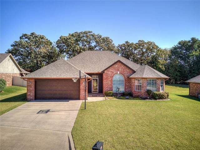 1601 Cedar Bend Court, Shawnee, OK 74804 (MLS #932265) :: Homestead & Co