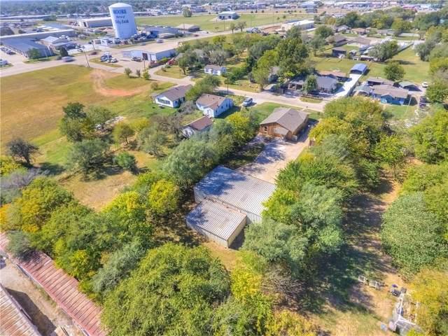 2828 Poplar Drive, Moore, OK 73160 (MLS #932292) :: Homestead & Co