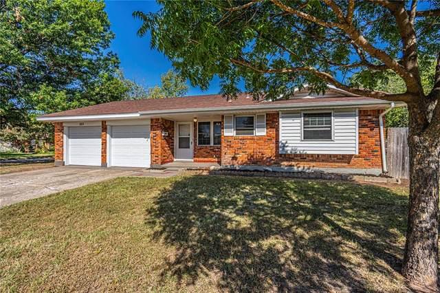 1323 E Louisiana Street, Norman, OK 73071 (MLS #932309) :: Homestead & Co