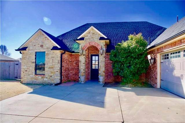 2200 Stratta Drive, Weatherford, OK 73096 (MLS #932412) :: The Oklahoma Real Estate Group