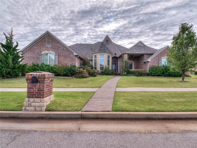 15404 Brenton Hills Avenue, Edmond, OK 73013 (MLS #932514) :: Homestead & Co