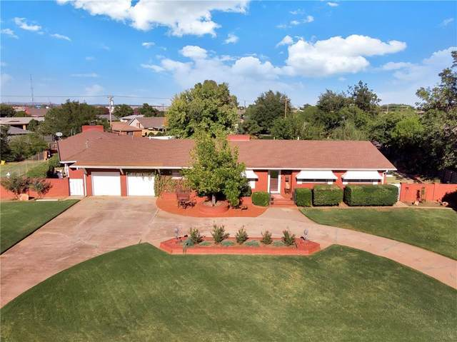2021 Willard Drive, Altus, OK 73521 (MLS #932692) :: Homestead & Co