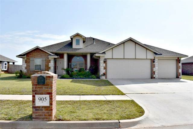 905 Hickory Stick Drive, Chickasha, OK 73018 (MLS #932927) :: Homestead & Co