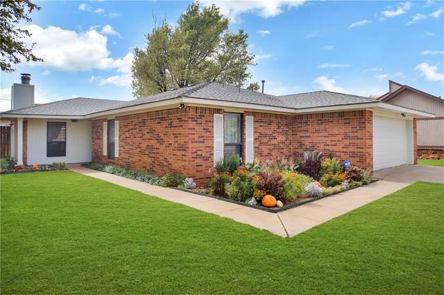 302 Willow Street, Elk City, OK 73644 (MLS #933233) :: Homestead & Co