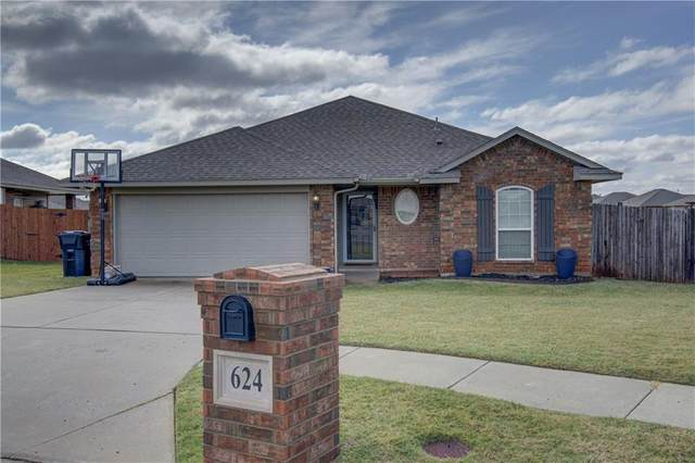 624 SW 41st Street, Moore, OK 73160 (MLS #933375) :: Homestead & Co
