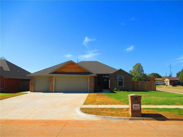 501 Pinewood Drive, Moore, OK 73160 (MLS #933532) :: Homestead & Co