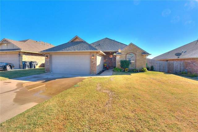 2108 SE 5th Street, Moore, OK 73160 (MLS #933695) :: Homestead & Co