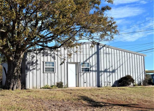 205 E 4th Street, Cordell, OK 73632 (MLS #933770) :: Erhardt Group at Keller Williams Mulinix OKC