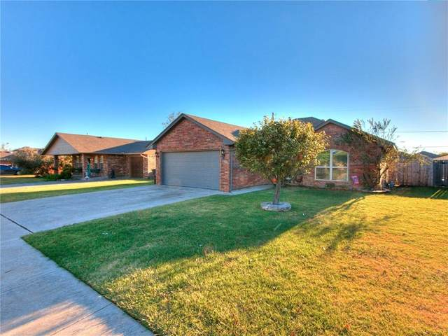 1704 Queensbury Road, Moore, OK 73160 (MLS #933789) :: Homestead & Co
