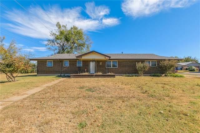 2849 SW 82nd Street, Oklahoma City, OK 73159 (MLS #933845) :: Homestead & Co