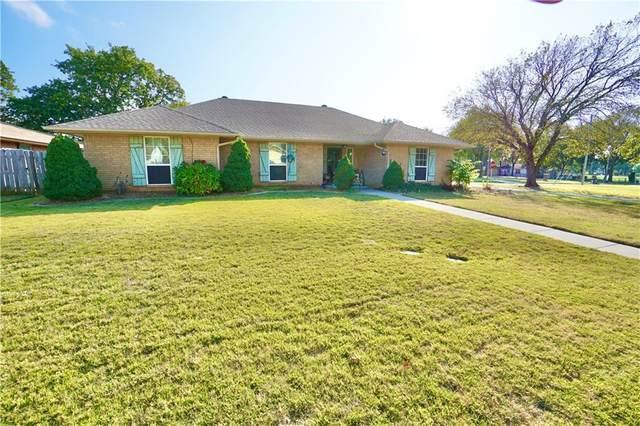 9100 Oak Creek Drive, Midwest City, OK 73130 (MLS #933995) :: Homestead & Co