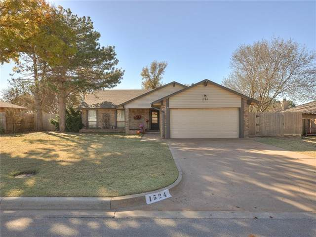 1524 Timber Creek Drive, Weatherford, OK 73096 (MLS #934092) :: Your H.O.M.E. Team