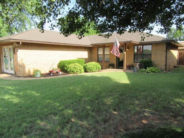 616 W 14th Street, Cordell, OK 73632 (MLS #934583) :: Your H.O.M.E. Team