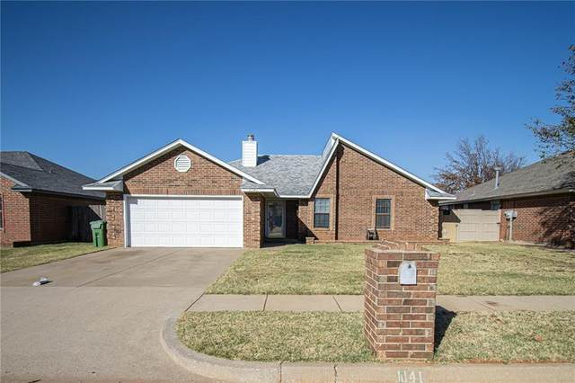 1141 Shelly Road, Yukon, OK 73099 (MLS #936088) :: Homestead & Co