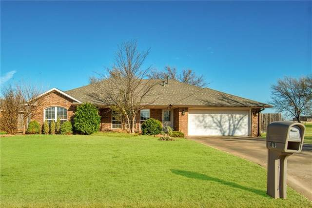 811 Hunter Lane, Sayre, OK 73662 (MLS #936171) :: Homestead & Co