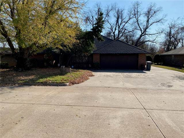 727 NW Heinzwood Circle, Lawton, OK 73505 (MLS #936193) :: Homestead & Co