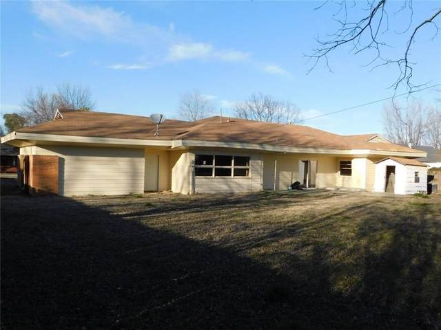 905 Lee Street, Seminole, OK 74868 (MLS #936494) :: Homestead & Co