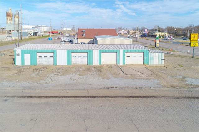 1302 E Main Street, Cushing, OK 74023 (MLS #936541) :: Homestead & Co